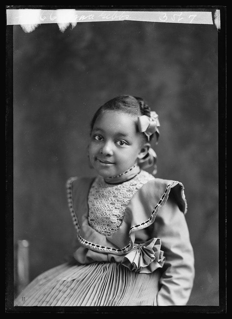 Free 19th-century portrait photographs